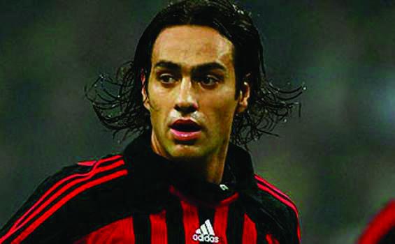 Nesta Bek Terbaik di Liga Italia