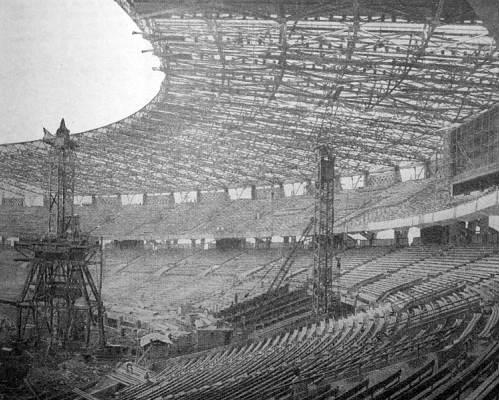 sejarah stadion gelora bung karno